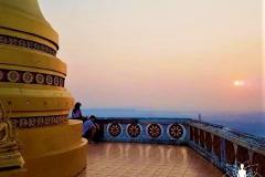Tempel mit Sonnenaufgang